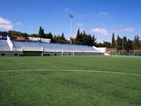 Im Sirens Football Stadium finden Vorrundenspiele der Malta Soccer Trophy 40+statt