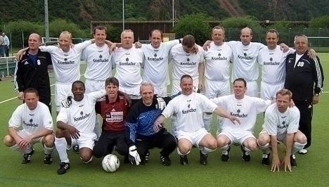 FC Isselhorst nach dem Gewinn des Rheingrafenschilds 2008